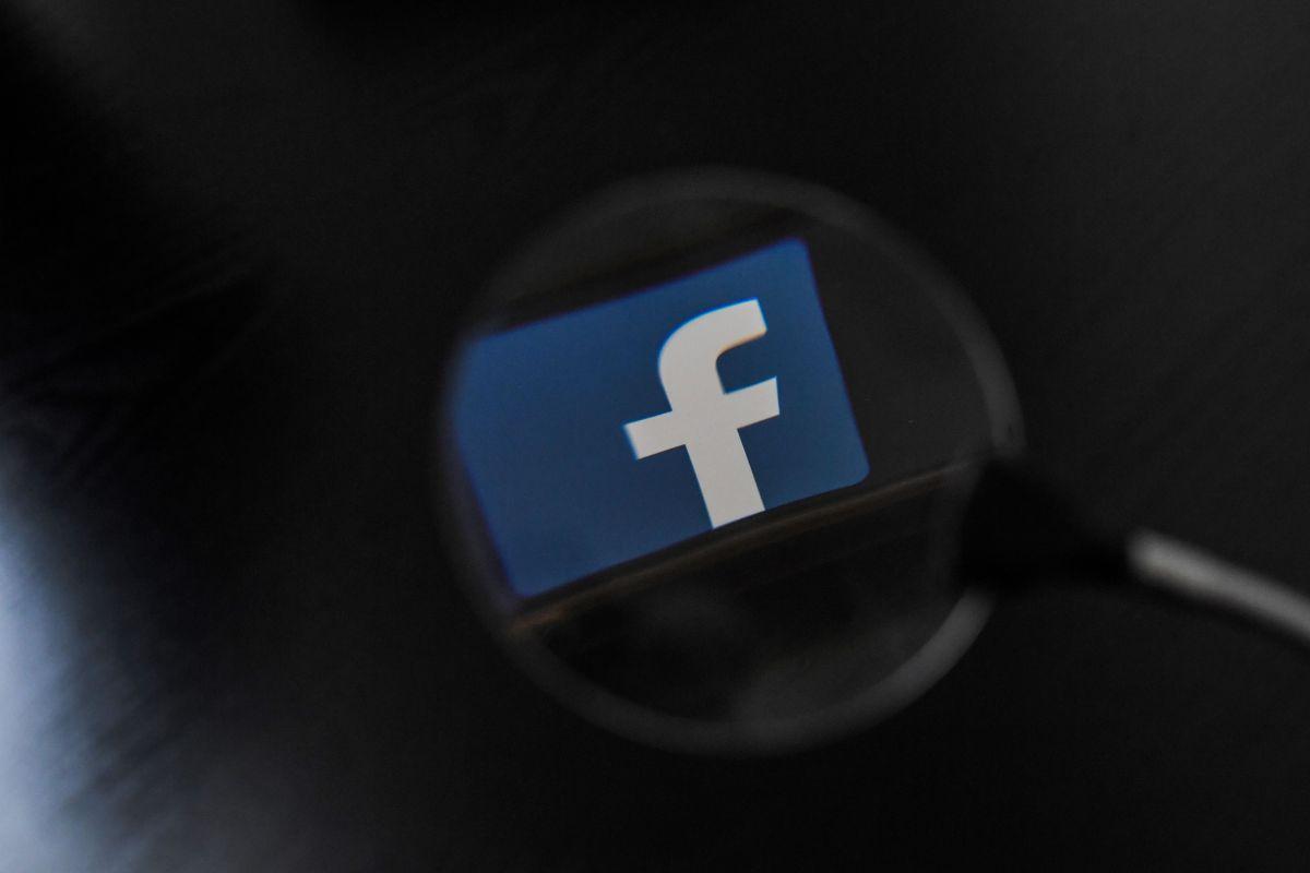 Un ex policía, quien ahora trabaja para Facebook como investigador, halló páginas del CJNG.