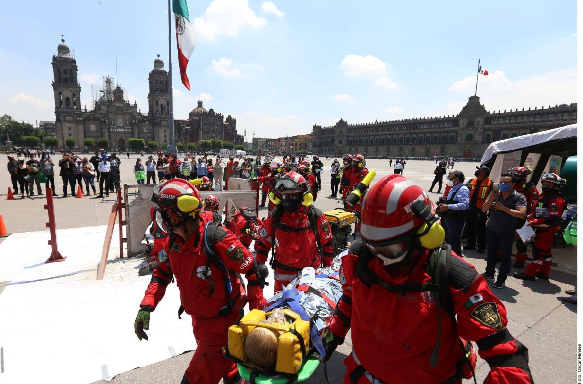 México realiza Simulacro Nacional de sismo en el marco de los terremotos de 1985 y 2017.