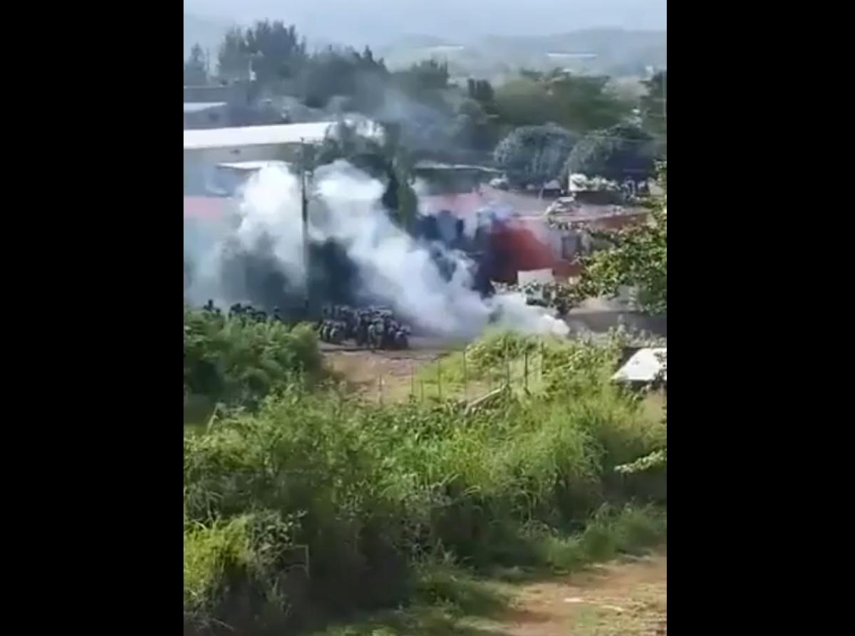 VIDEO: Enviados de narcos atacan a militares mexicanos