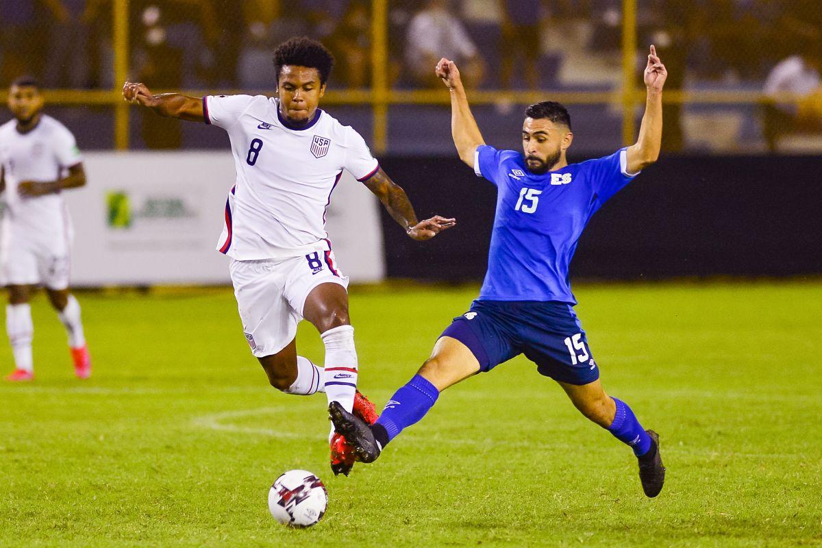 Weston McKennie con la selección de Estados Unidos.