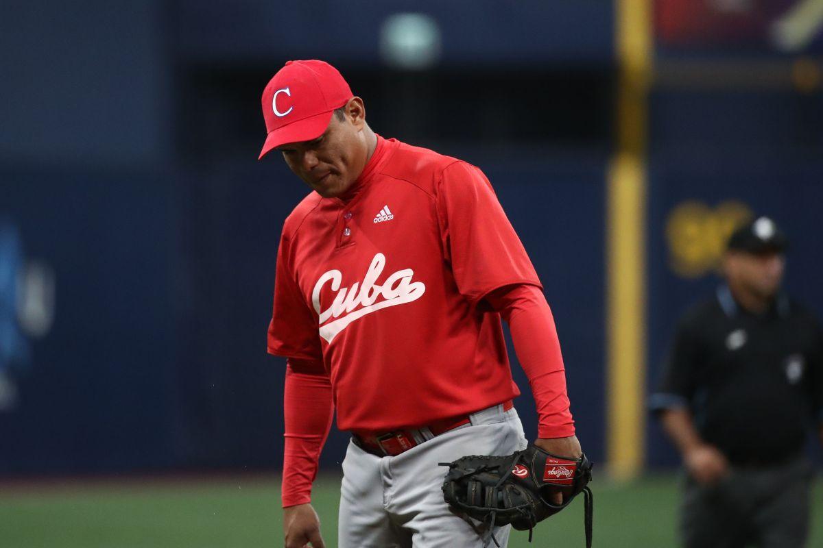 Múltiples deserciones invaden la selección de beisbol de Cuba.