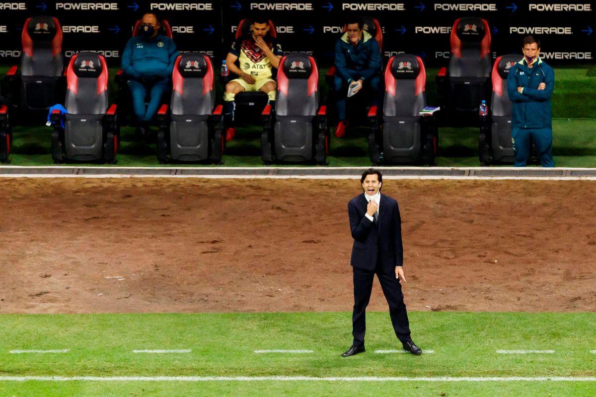 El técnico fue contundente al criticar la actuación de los árbitros.