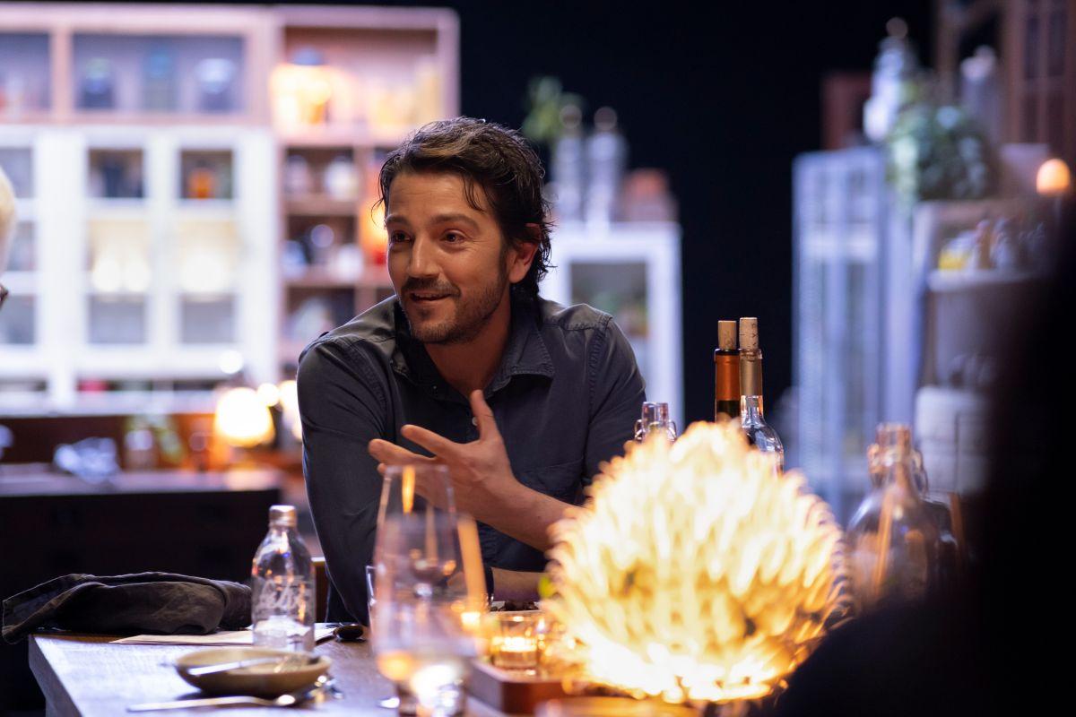Diego Luna en una de las cenas de 'Pan y Circo'.
