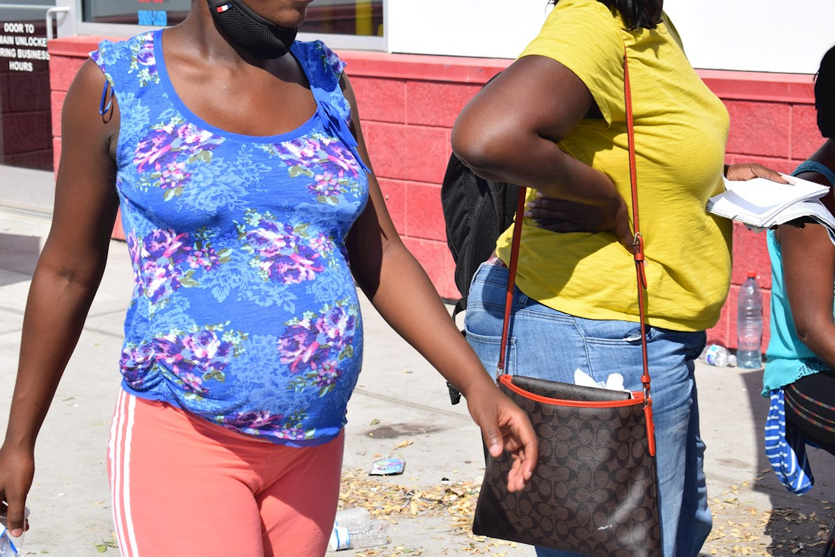 Mujeres embarazadas de Haití buscan que sus hijos nazcan en EE.UU.