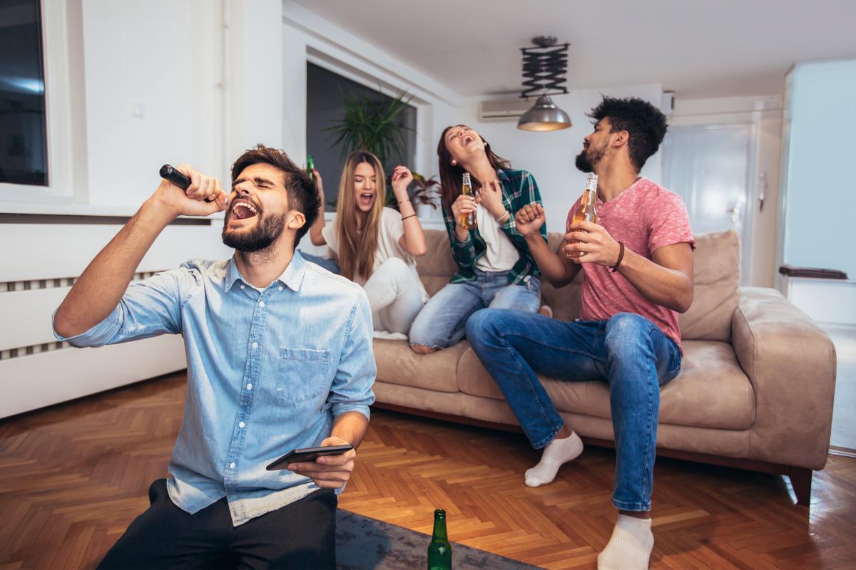 Con estas máquinas de karaoke podrás tener las mejores fiestas en casa