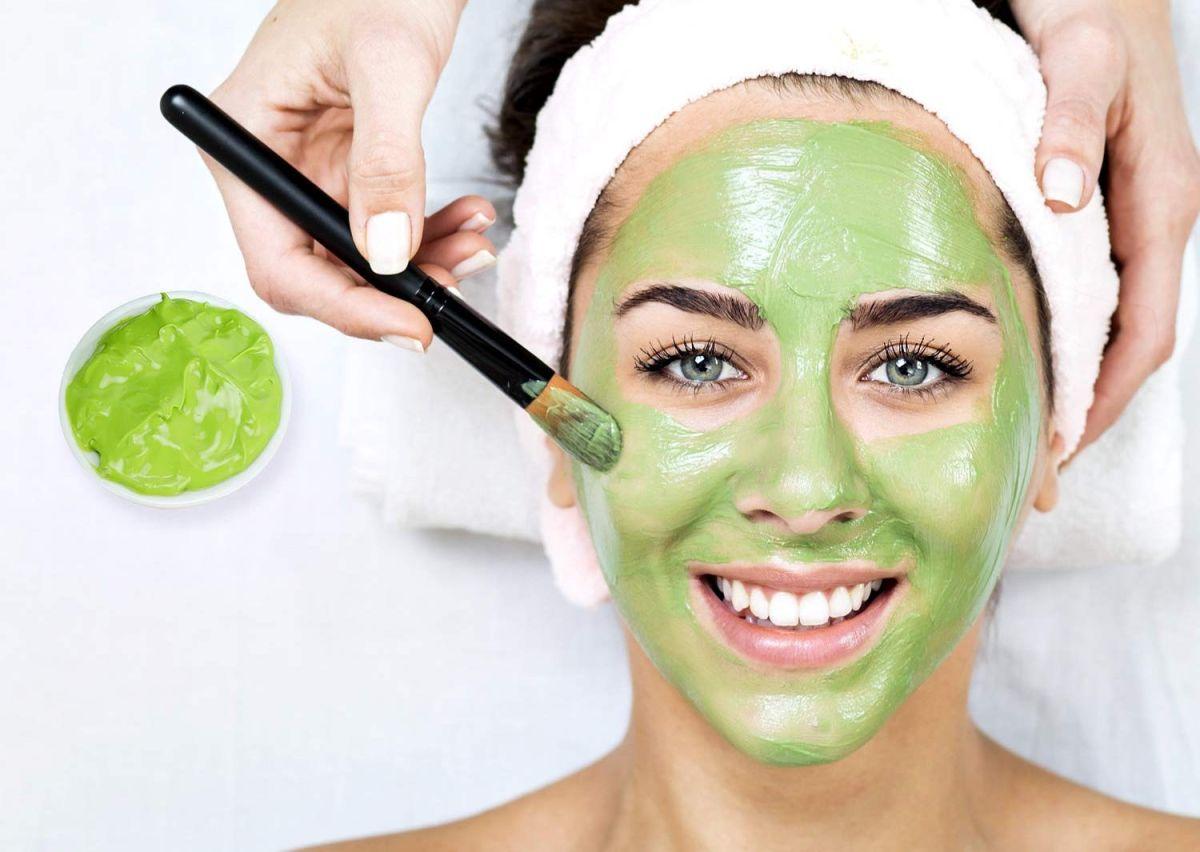 Si quieres nutrir tu piel solo con lo mejor, debes probar estas mascarillas faciales naturales