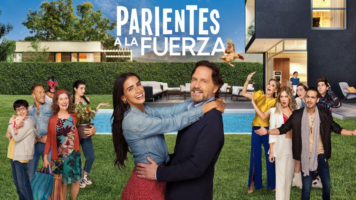 Póster de 'Parientes a la Fuerza', nueva comedia de Telemundo.