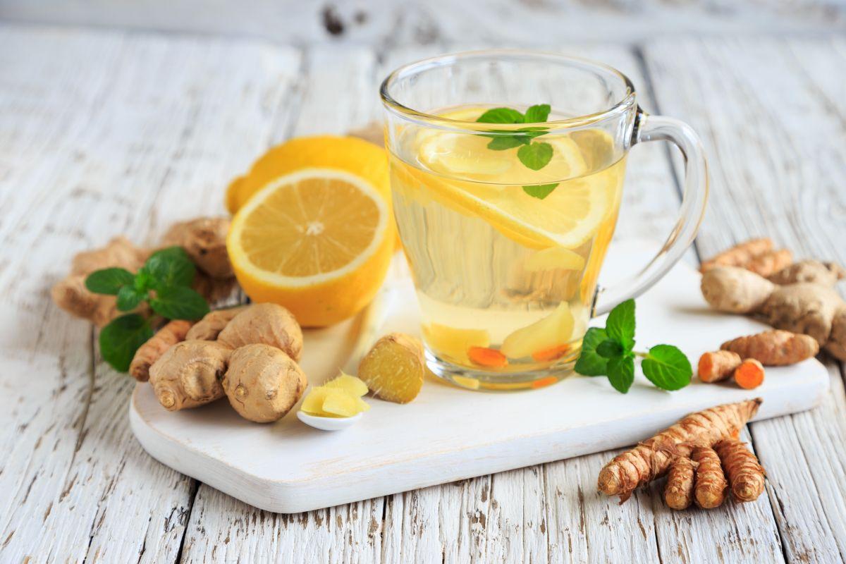 Suprimen el apetito, quema grasa y sube las defensas el té de jengibre y limón.