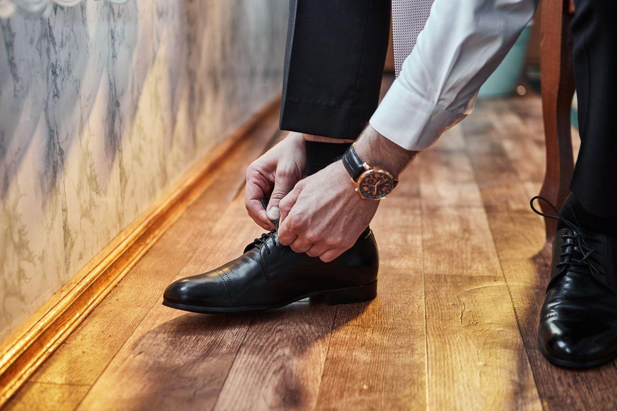 Los zapatos de vestir son indispensables para todo hombre, pero también debemos buscar la comodidad