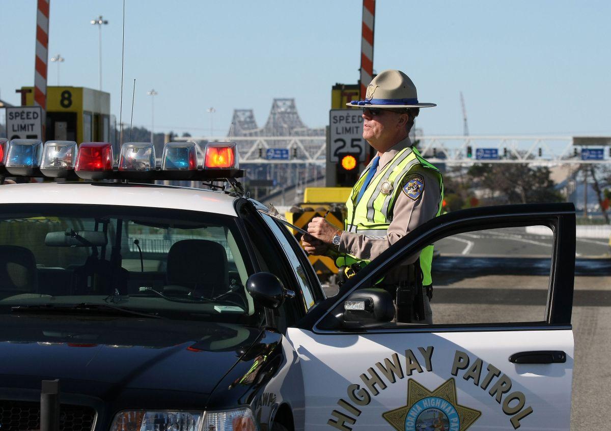 La Patrulla de Caminos de California colaboró en la detención del sospechoso.