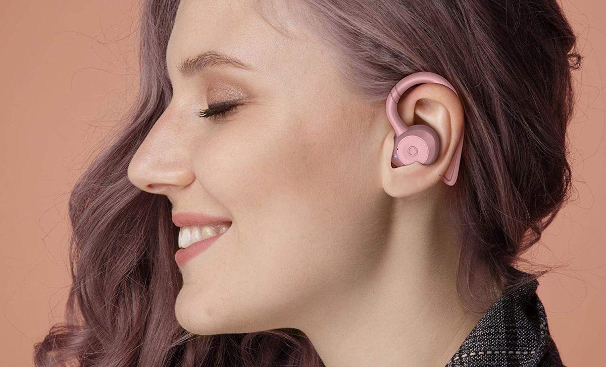 Los auriculares inalambricos son ideales para usar en la calle mientras haces tus tareas diarias