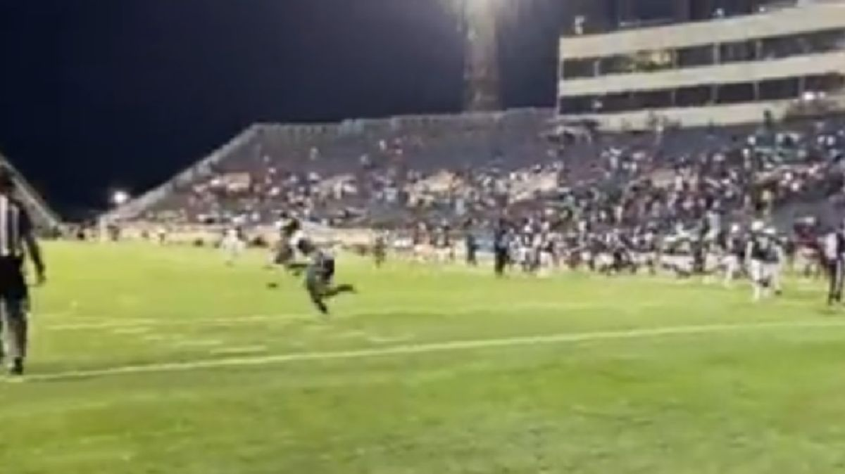[Video] A shooting at a college football game in Alabama caused chaos on the field