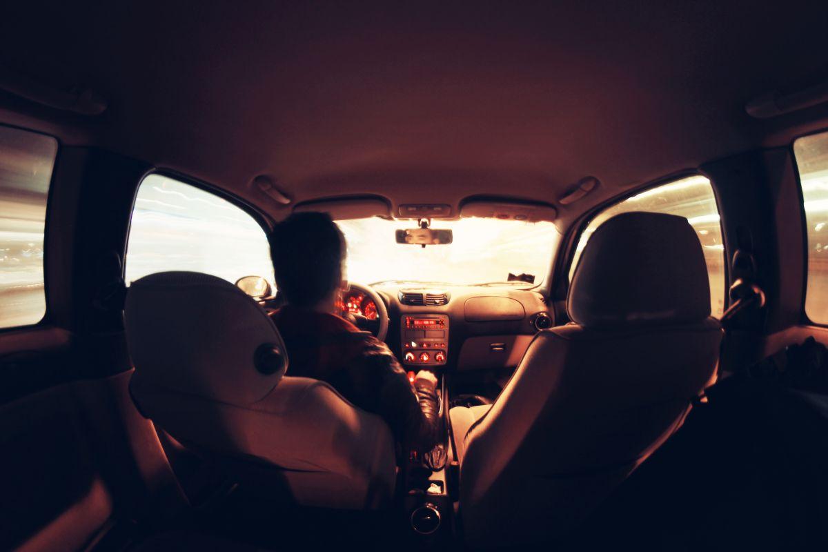 Un récord de conducción es un documento que contiene el historial de desempeño de un conductor.