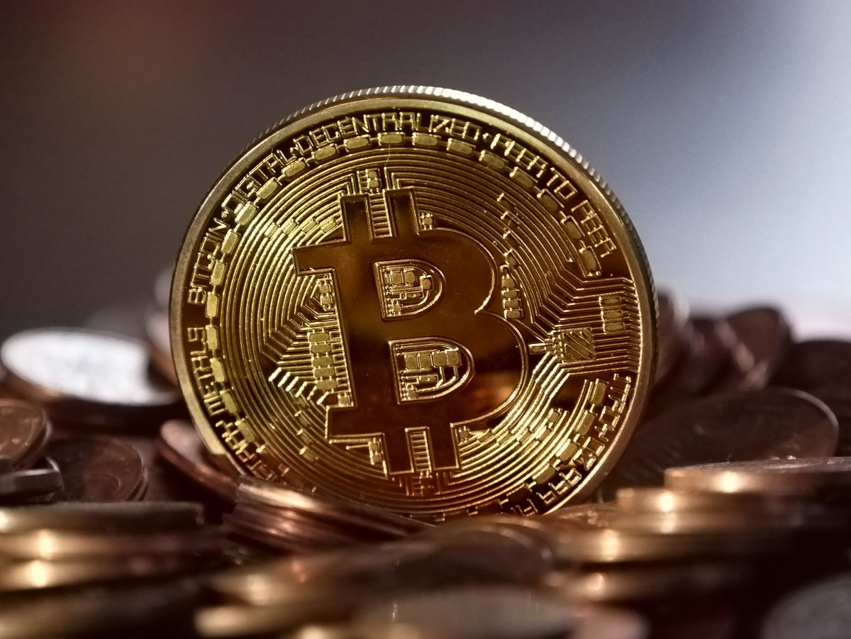 Bitcoin approached its all-time high this Friday and surpassed $ 60,000