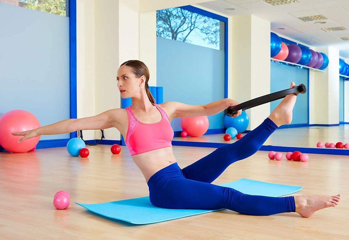 Hacer pilates es una buena forma de mantener tu cuerpo saludable y mejorar tu resistencia física