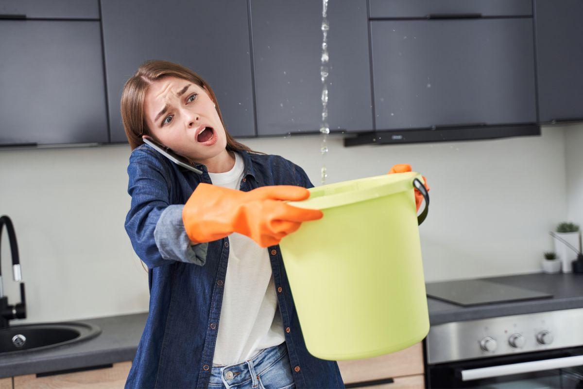 En una casa, el mantenimiento preventivo es esencial, sobre todo en el área de los techos. Así se evitarán situaciones de emergencia y que se tenga que hacer una reparación mayor
